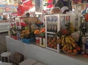 Frutta al mercato coperto