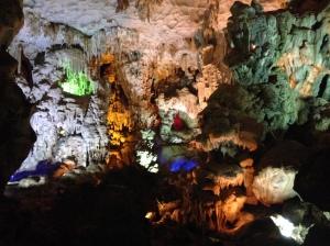 Grotta: Isola di Cat Ba